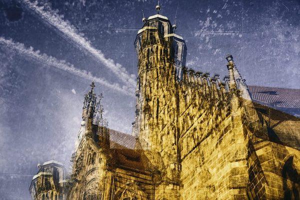 Seitliche Ansicht der Frauenkirche Nürnberg